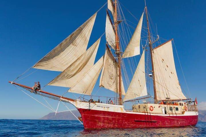 Traditional Wooden Tall Ship, A home on the sea - Santa Cruz de Tenerife - Barca