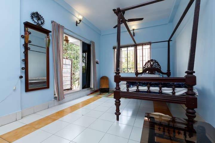 Single room in Lake view house