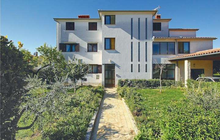 Awesome home in Porec with 2 Bedrooms
