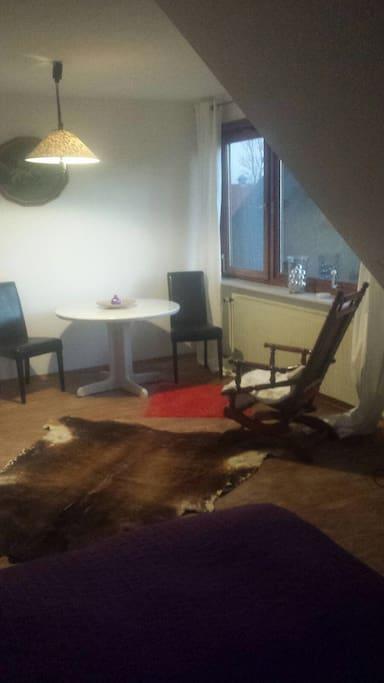 1.Stock Zimmer 1  groß mit Schaukelstuhl