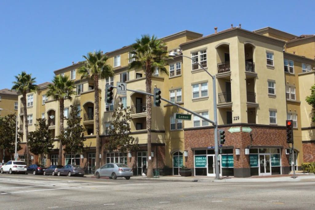 Private 1 Bedroom In Dtf Apartments For Rent In Fullerton California United States