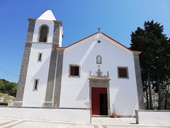 Church, Sesimbra castle