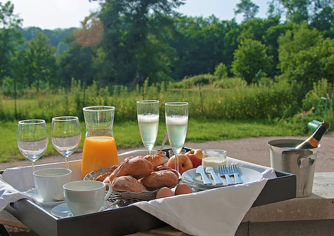 breakfast at the  common terrasse