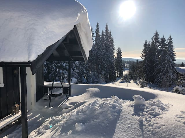 Cosy, small and new cottage at Hafjell