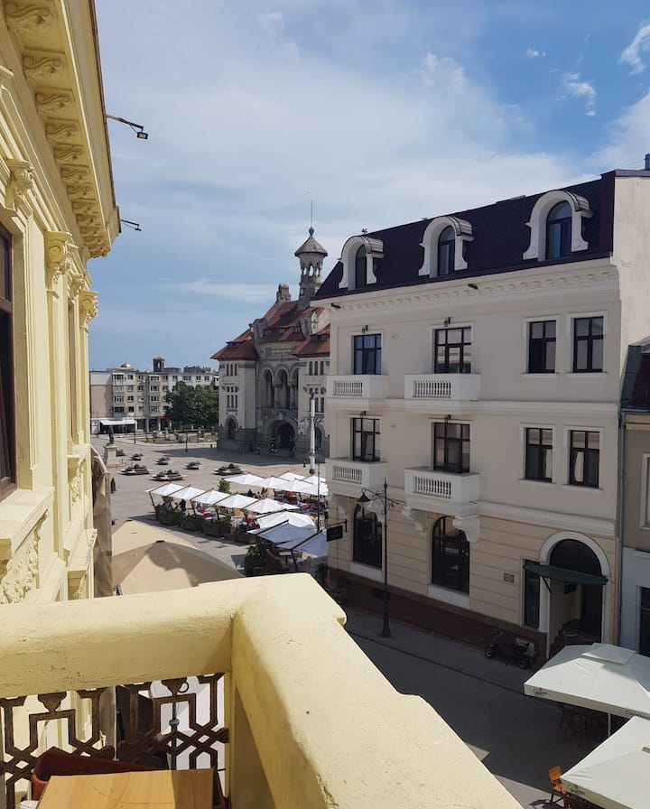 Big apartament,Ovidiu Square,5 min. to the  beach!