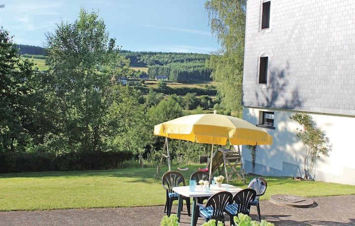 Semi-Detached with 4 bedrooms on 200m² in Schönberg