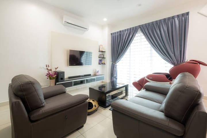 Comfy Double Room, H/S Broadbands with Attached BR - Bukit Mertajam - House