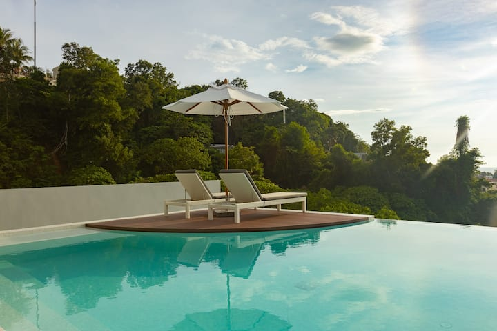 NEW! Palmetto by Holy Cow 1-BR apartments, Infinity Pool ❤️ Karon (8/11)
