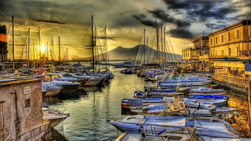 Una camera a 2 passi da Napoli