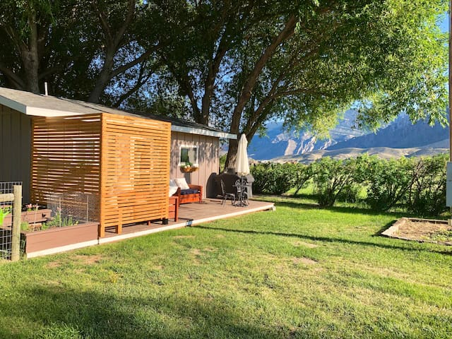 Charming Cabin Minutes From Town