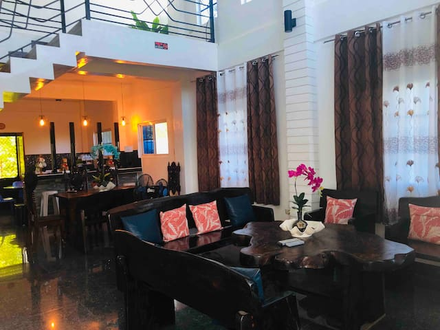 Island Haven Rm #2 for 4 pax near Hundred Islands