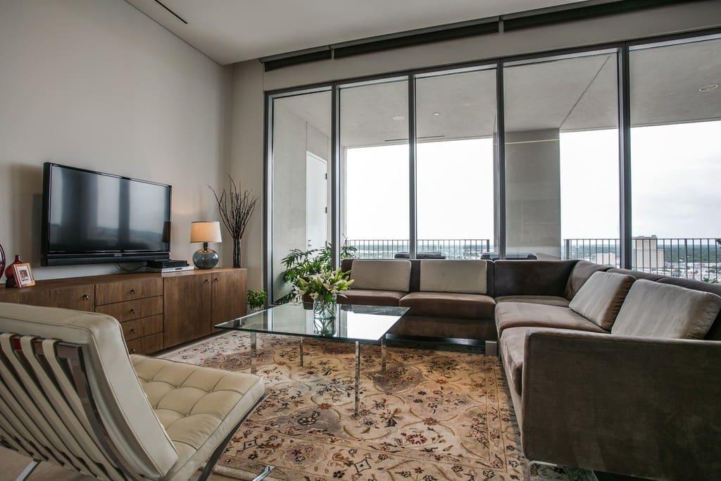 Luxury 2 Bedroom Spacious Downtown Atlanta Condo Condominiums For Rent In Atlanta Georgia