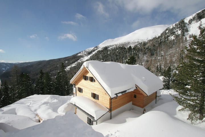 Luxurious Holiday Home in Turracherhöhe near Ski Area