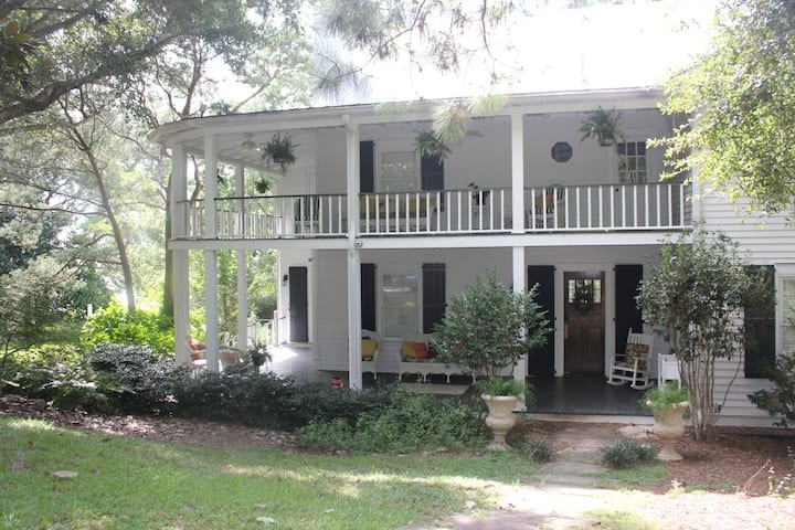 Spend your holiday in a historic southern house