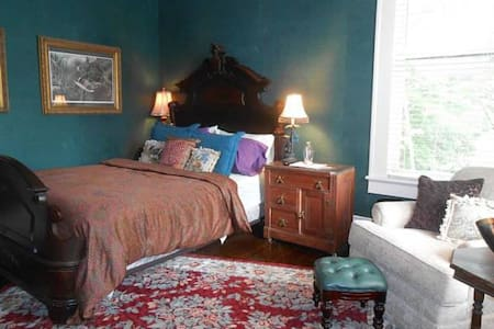 Belle Oaks Inn - Teal Room - Gonzales