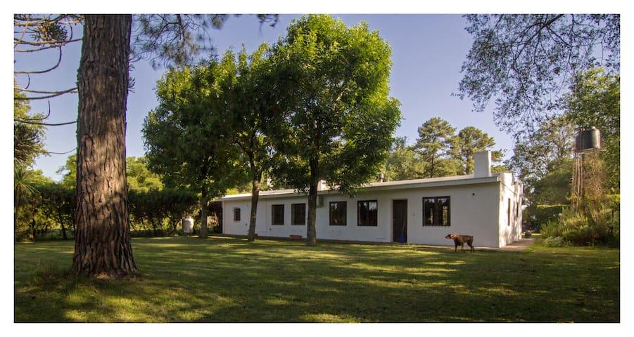 Casa de Campo en Roldan - Parque 2000mts piscina
