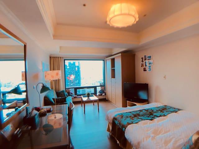 Taichung City 台中市 高樓浪漫美宅。近逢甲夜市、ㄧ中街、科博館、宮原眼科、高美濕地