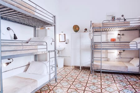 6 bed Female dorm