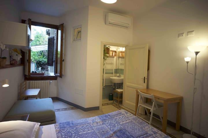 B&B Olivo camera con bagno, colazione e giardino