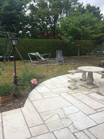 Petit appartement indépendant avec jardin