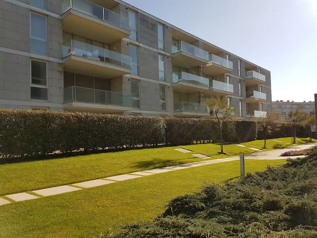 1 bedroom apartment- Ocean and Beach - Azurara - Apartemen