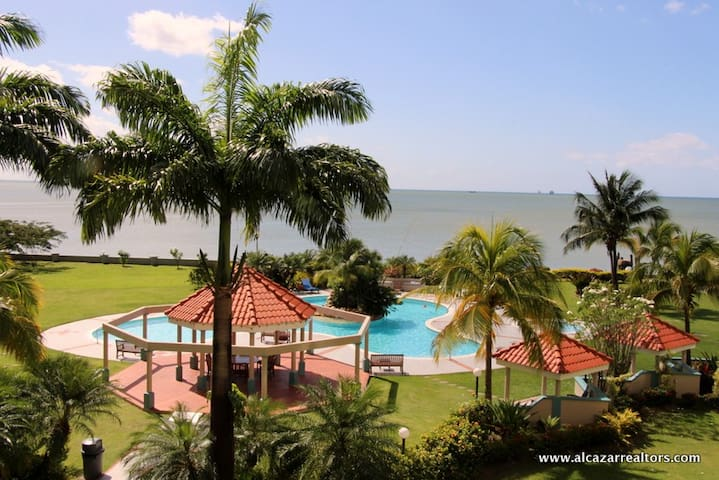 Luxury Condo with amenities on the sea - Port of Spain - Condominium