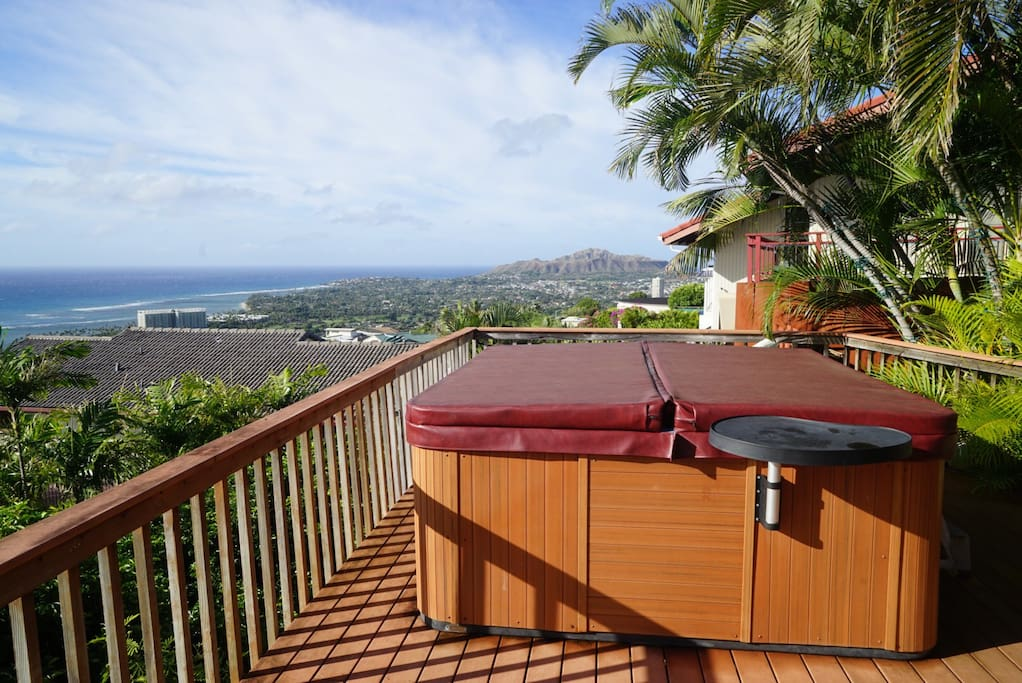 Watch whales from the shared Hot tub with Diamondhead view