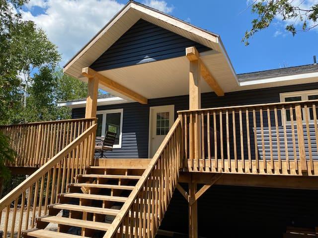 New Large Bruce Peninsula Cottage