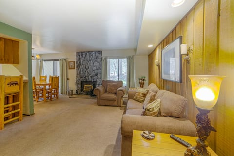 Clean and spacious in the Heart Of Mammoth Lakes.