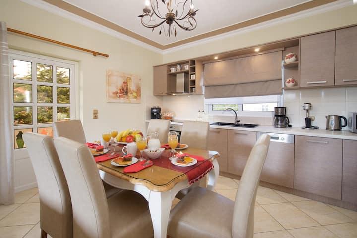 Madalenas apartment with garden-10' from Argostoli