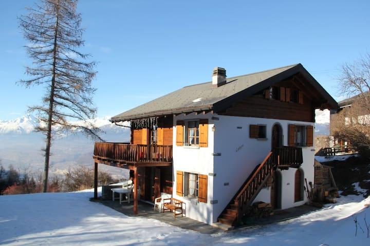 Charmant appartement dans un chalet dans les Alpes - Vercorin - Apartment