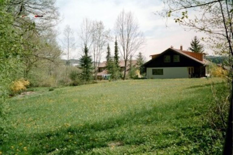 Haus mit großem Garten