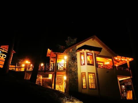 """Cabaña""""SIMA TOSCANO""""excelente ubicación en bosque."""