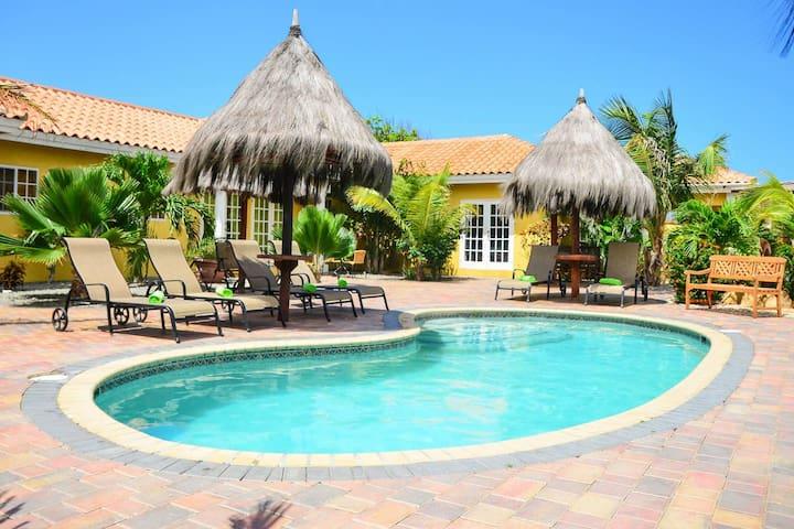 Aruba Tropic 2 Bedroom Flat  #4