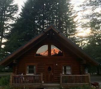 The Burke Cabin * Mt. Hood View