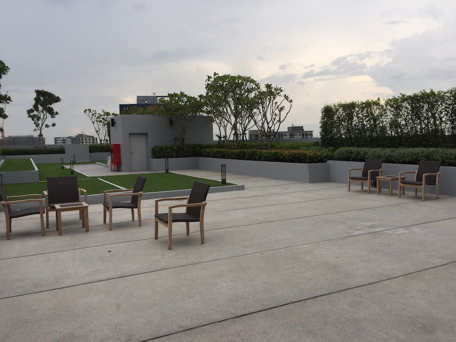 Rooftop Garden at Level 27