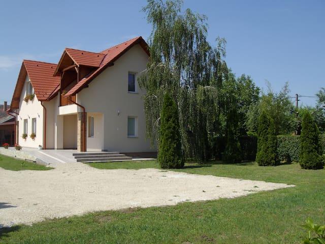 Somodi Vendégház - Cserkeszőlő