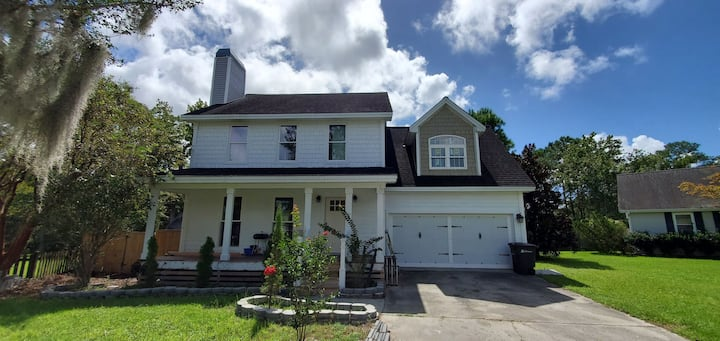 Must See! Nice Room in Beautiful Remodeled Home!