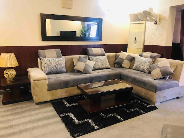 Penthouse F10 Markaz