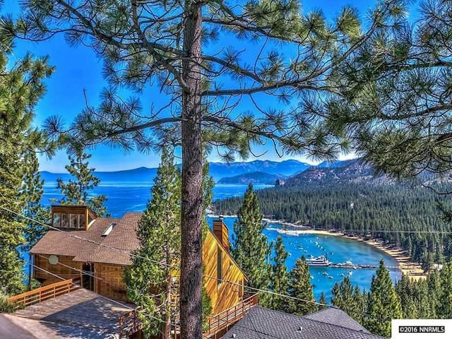 Spectacular View of Lake Tahoe from 4bdrm Retreat! - Zephyr Cove-Round Hill Village - House
