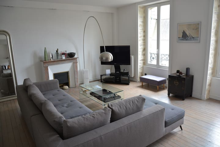 Nice flat in the very center of Auray - Auray - Apartment