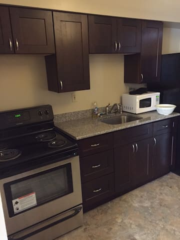 Beautiful 2 bd/1 bath apt!  Granite, Stainless! - Canonsburg - Appartement