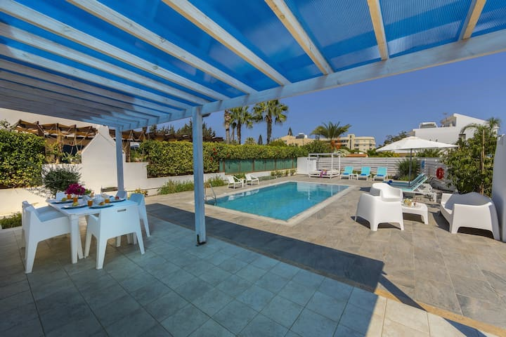 3 Bdr Luxury Villa in the Heart of Protaras