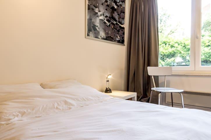 Cozy & comfy room in trendy Ixelles - Ixelles - Pis