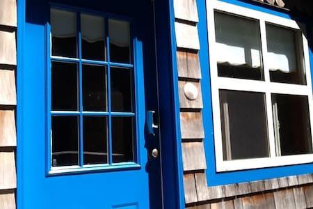 Chesterman Beach Cottage Suite