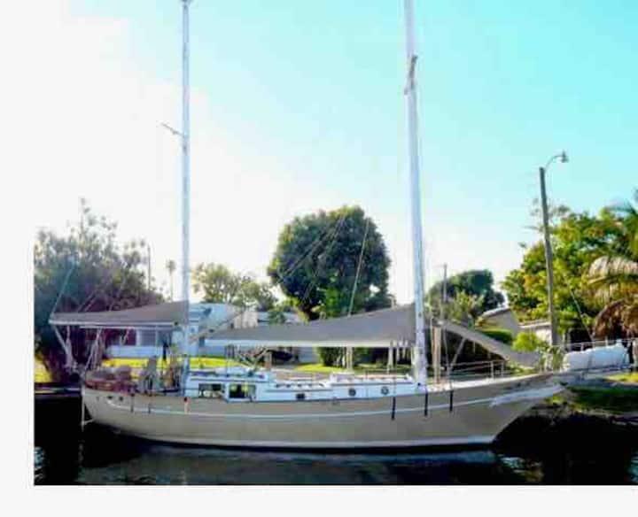 Vintage Sailboat Experience South Florida.