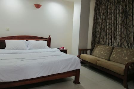 Include Pool, Gym,1 Bed with Centre in Phnom Penh - Leilighet