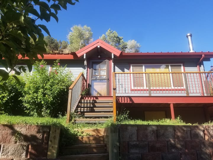 Old Orchard Property- 7 min to Glenwood Springs