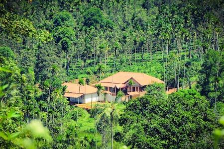 Tharavadu Royal Farm - Coffee House