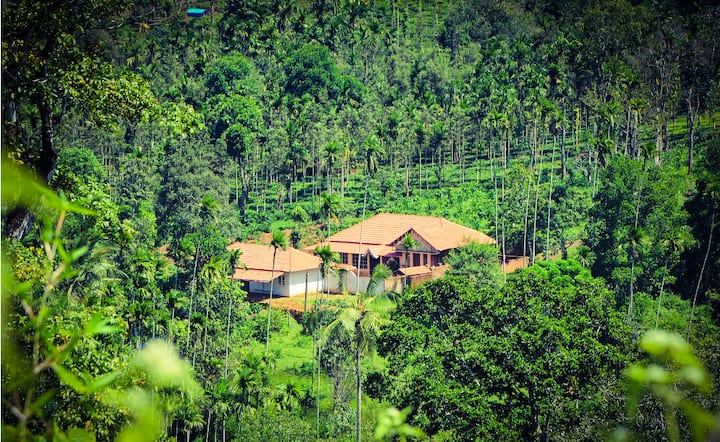 Tharavadu Royal Farm - Coffee House